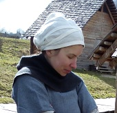 Dámské pokrývky hlavy - 14. - 15. století - Brodec 2fa00d3328